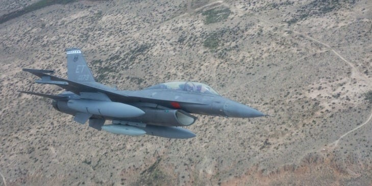 A US Air Force F-16C Viper crashed at a New Mexico base